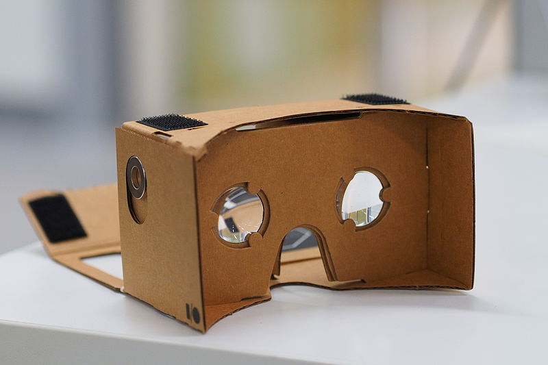 device made of cardboard for using smartphone as virtual reality viewer